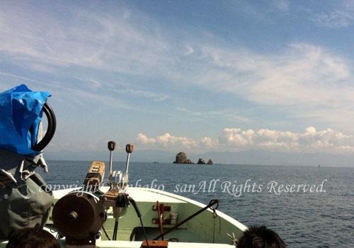 「沖の白岩」 たかこさん撮影